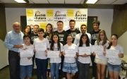 Prefeitura de Quirin�polis Entregou Certificados Para os Alunos do Projeto Social Jovem do Futuro.