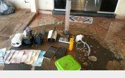 Pol�cia apreendeu droga enterrada em duas resid�ncias de Quirin�polis