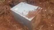 Cofre levado de lotérica de Quirinópolis é encontrado na zona rural.
