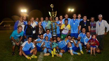 Mec�nica Barbosa/Quirin�polis Seguros Campe�o Municipal de Futebol 2015.